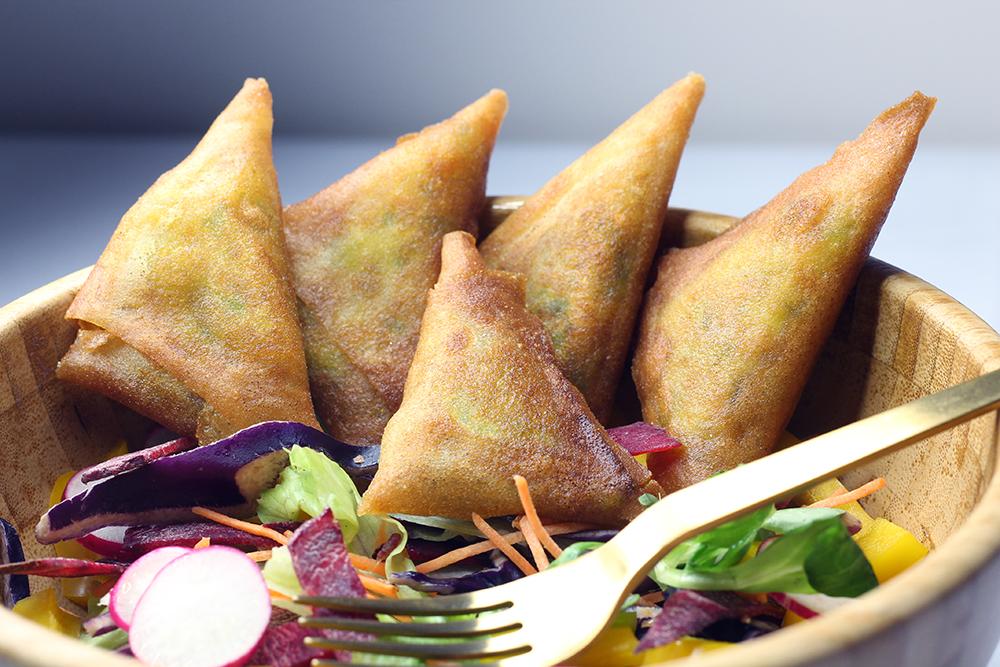 Recette des samoussas aux légumes et aux épices indiennes par FannyAlbx.com