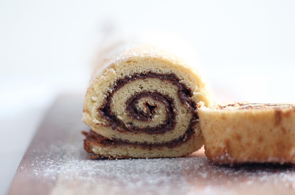 Recette du roulé au Nutella et éclats de noisettes par fannyalbx.com